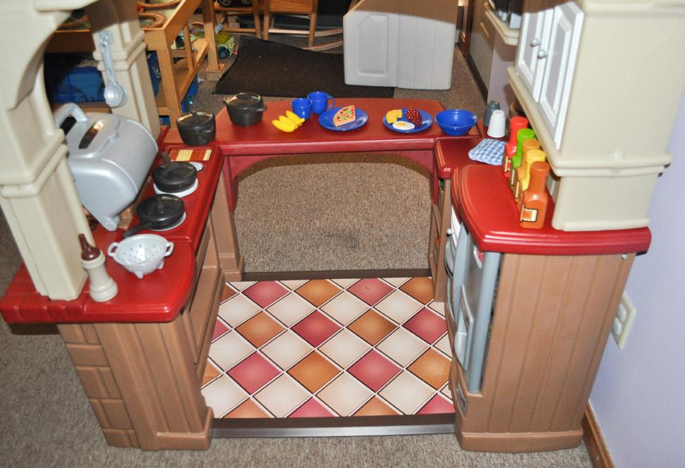 Step2 Grand Walk In Kitchen