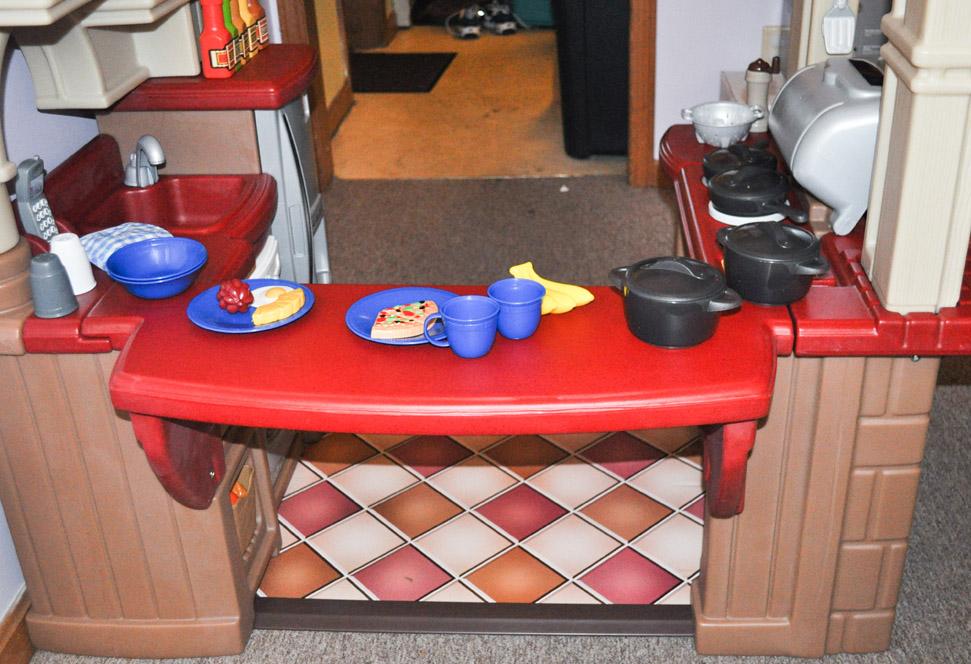 Step2 Grand Walk-In Kitchen