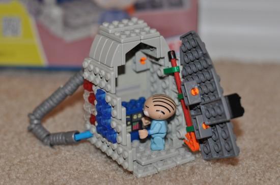 Family Guy Stewie & Time Machine Building Set