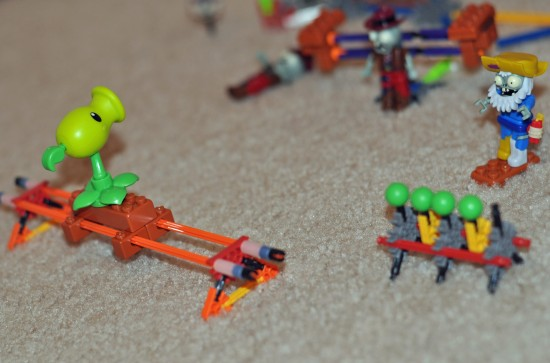 K'NEX Building Set - Plants vs Zombies