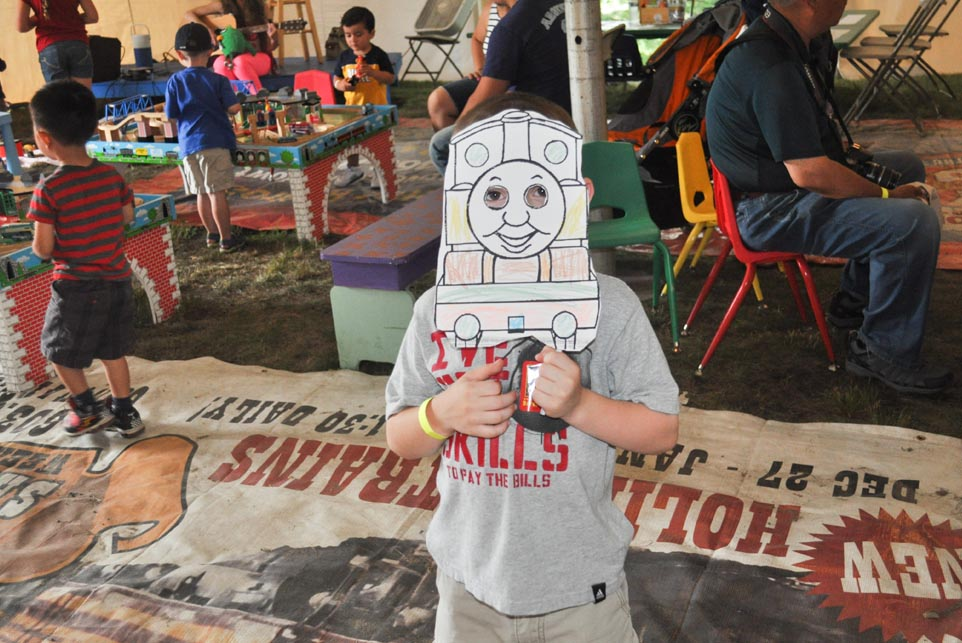 coloring thomas train wooden mask