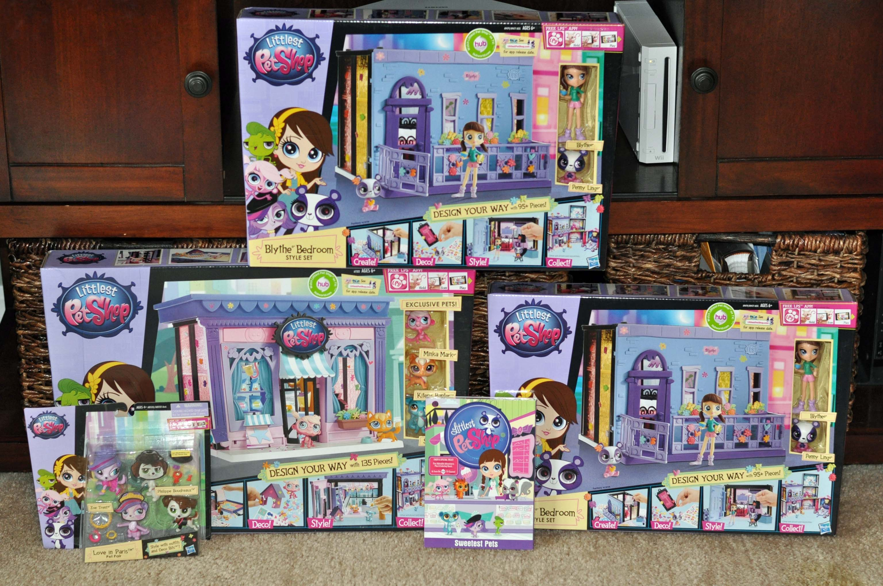 reliving my childhood with the littlest pet shop style sets