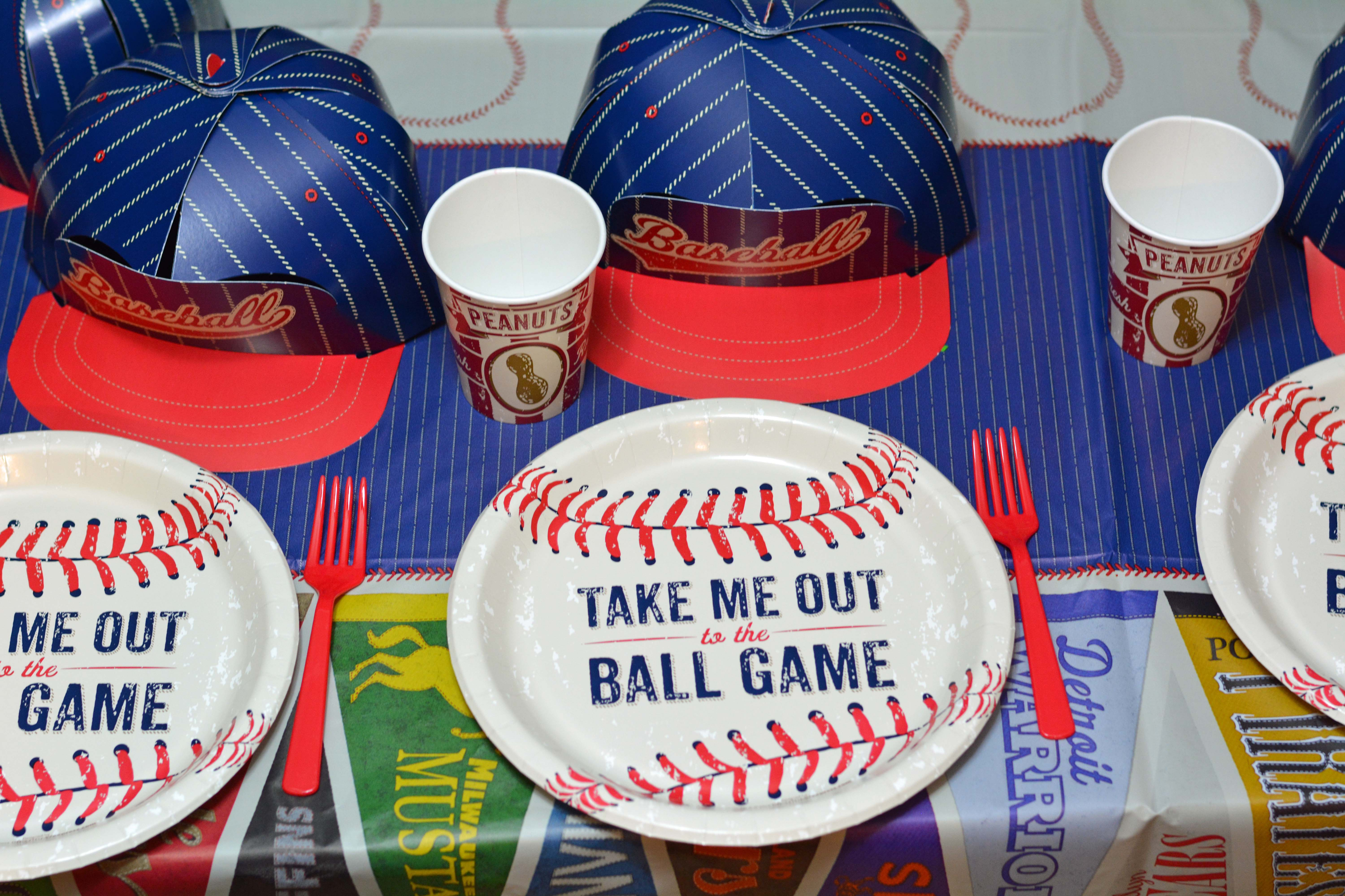 Baseball Birthday Party & 5 Tips for Hosting A Birthday Party + Baseball Party Ideas - Mommyu0027s ...