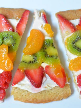 Fruit Pizza with Sugar Cookie Crust
