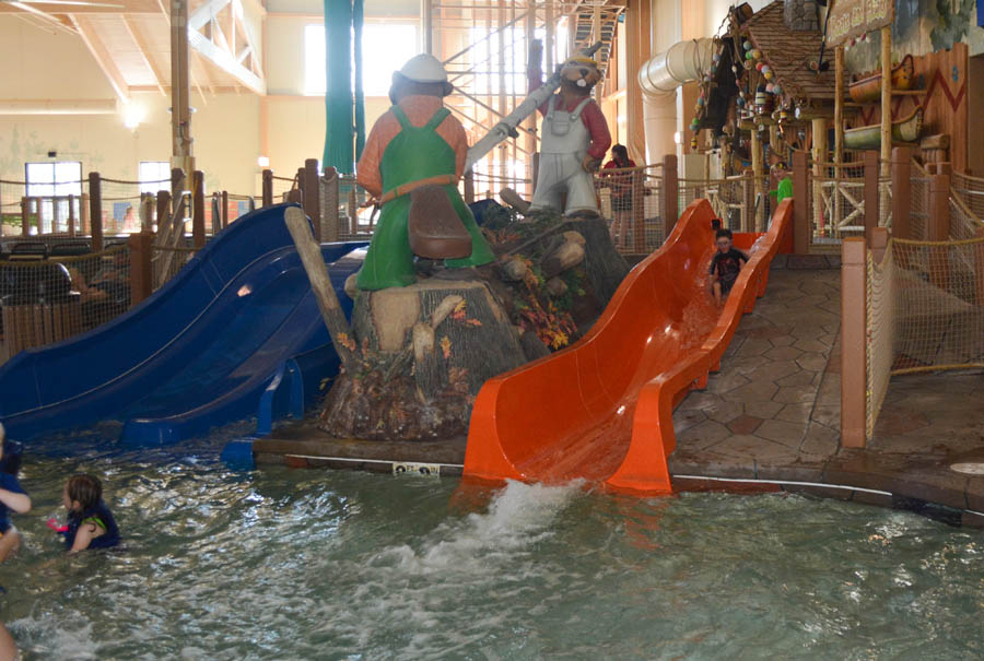 Great Wolf Lodge MA Whooping Hollow slides