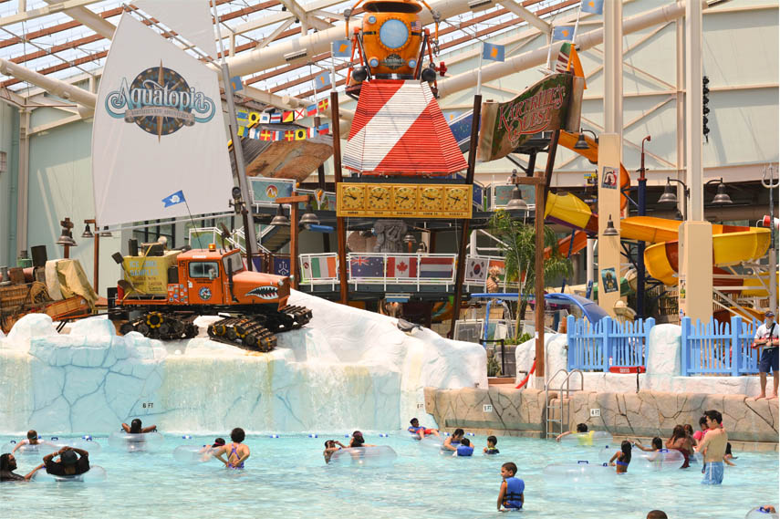 The theme of Camelback Lodge and Aquatopia Indoor Waterpark is based ...