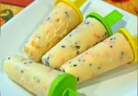 Spooktacular Halloween Frozen Yogurt Popsicles