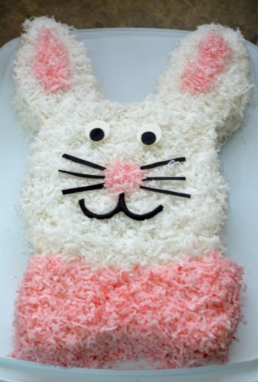 easy easter bunny cake mommy 39 s fabulous finds. Black Bedroom Furniture Sets. Home Design Ideas