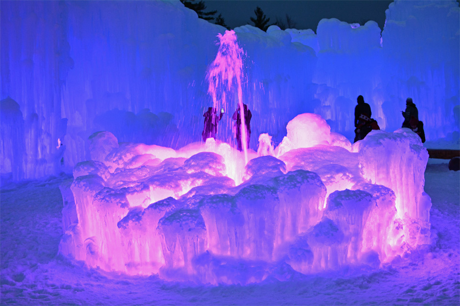 Experience A Winter Wonderland At The Ice Castles Mommy