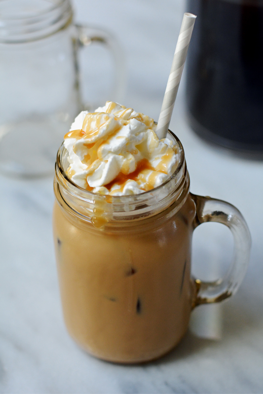 How to Make Caramel Iced Coffee - Mommy