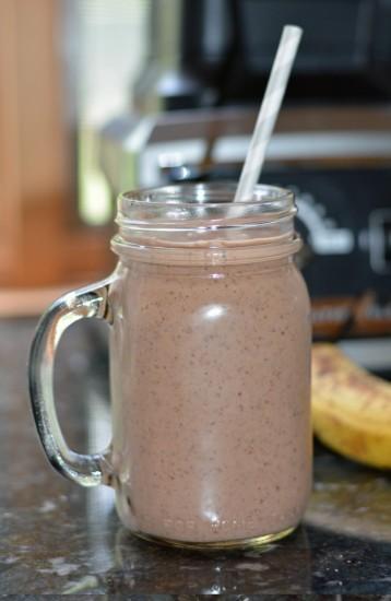 banana chocolate protein smoothie