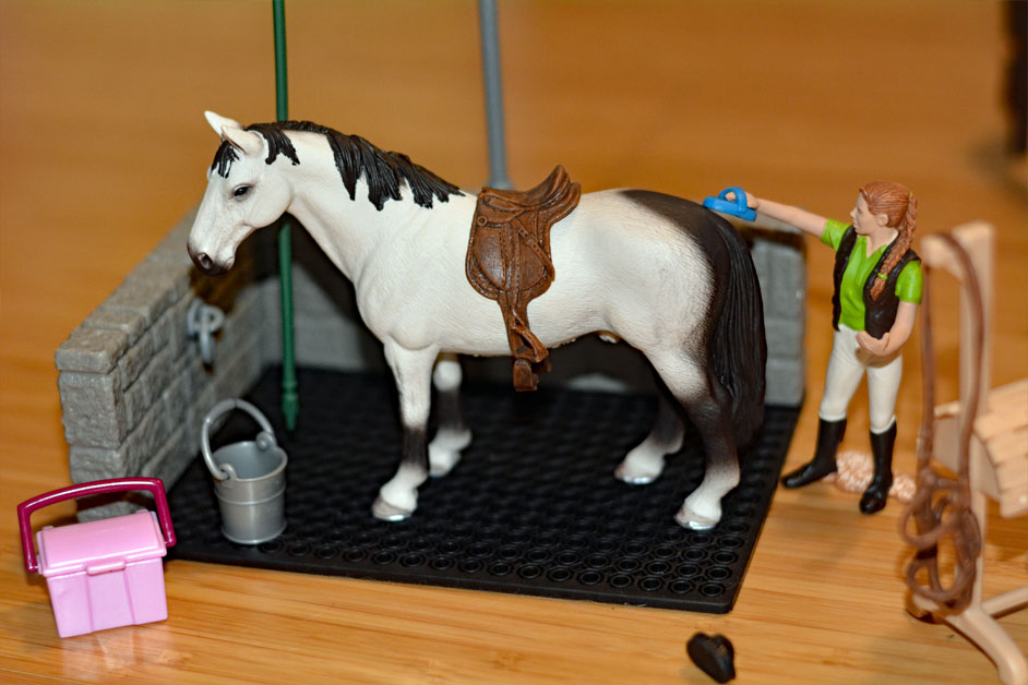 Schleich Horses - Schleich Horse Club collection Horse Wash Area