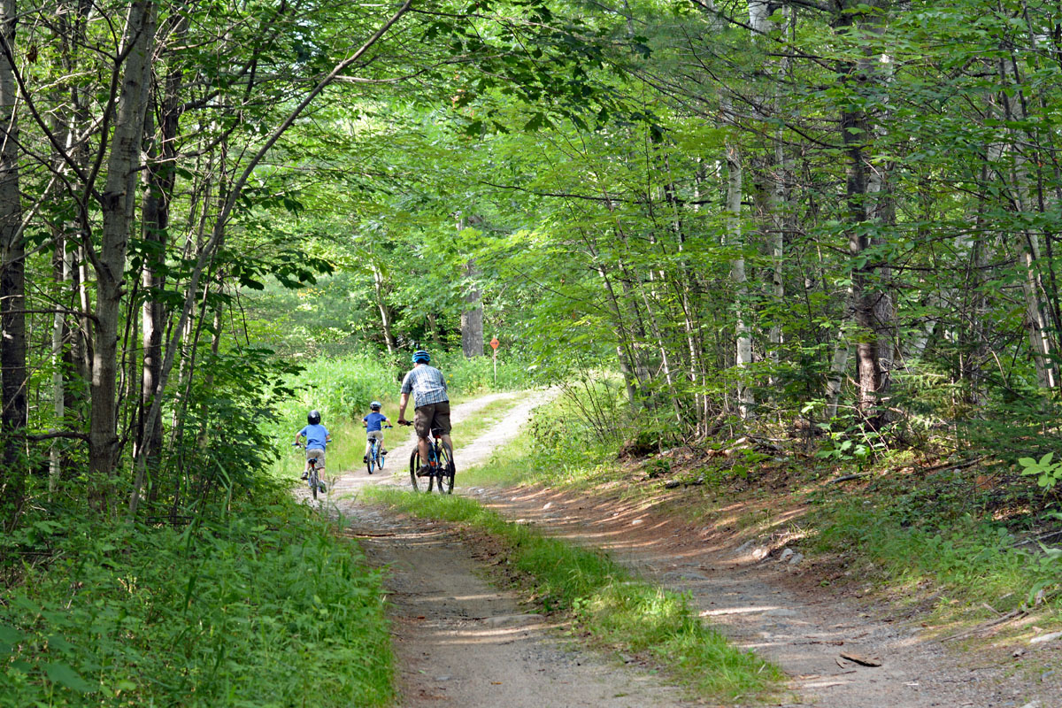 things to do in vermont - family bike ride