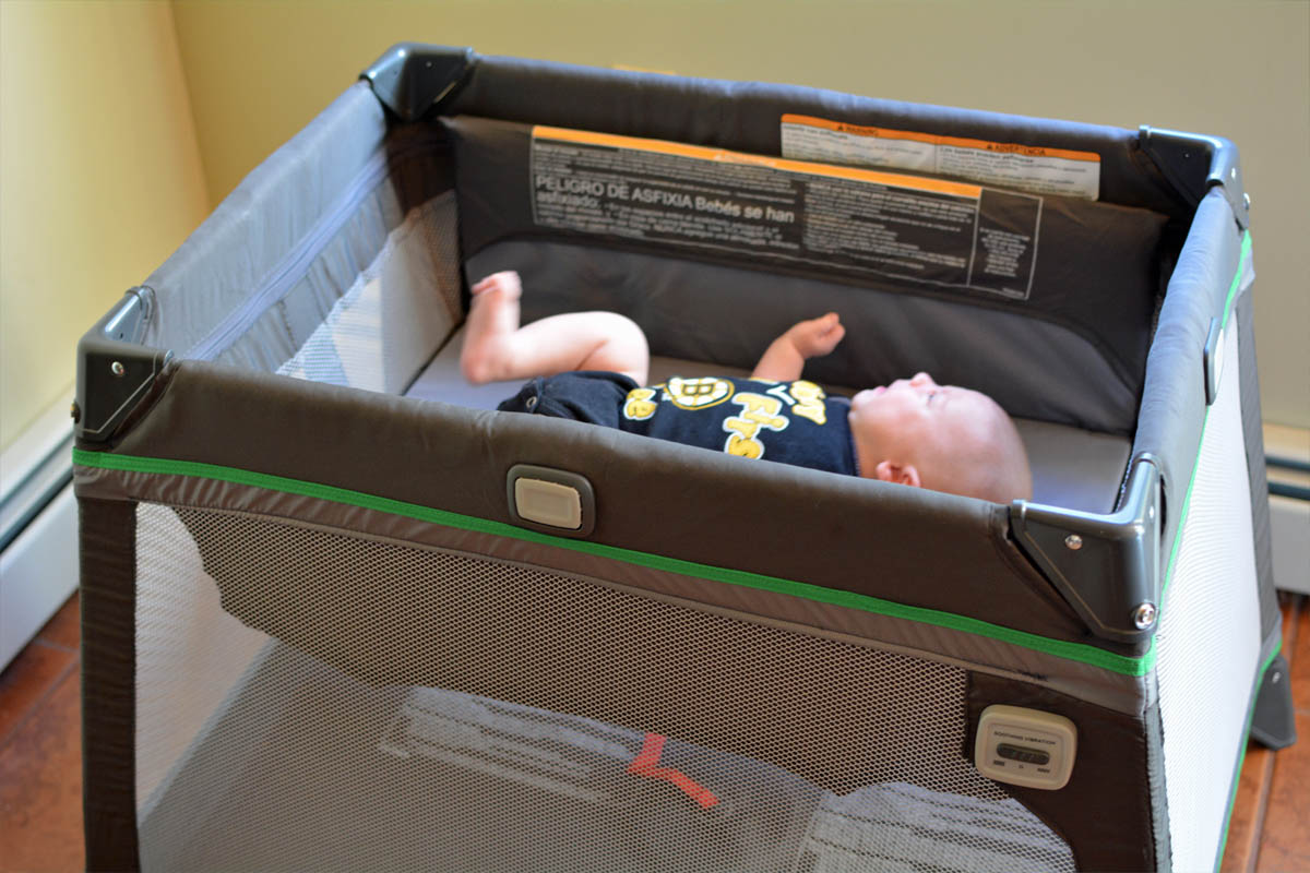 how to install bassinet in pack n play
