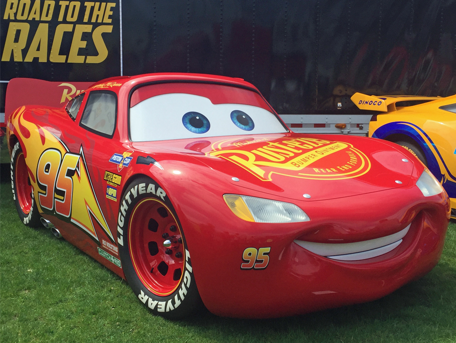 "Cars 3 ""Road to the Races"" Tour Lightning McQueen"