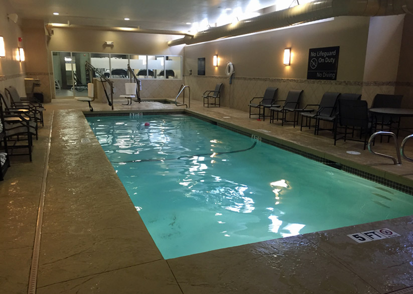 Hampton Inn Exeter pool
