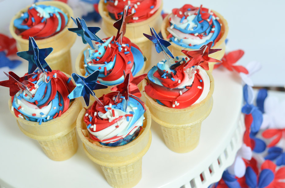 Red, White, & Blue Ice Cream Cone Cupcakes