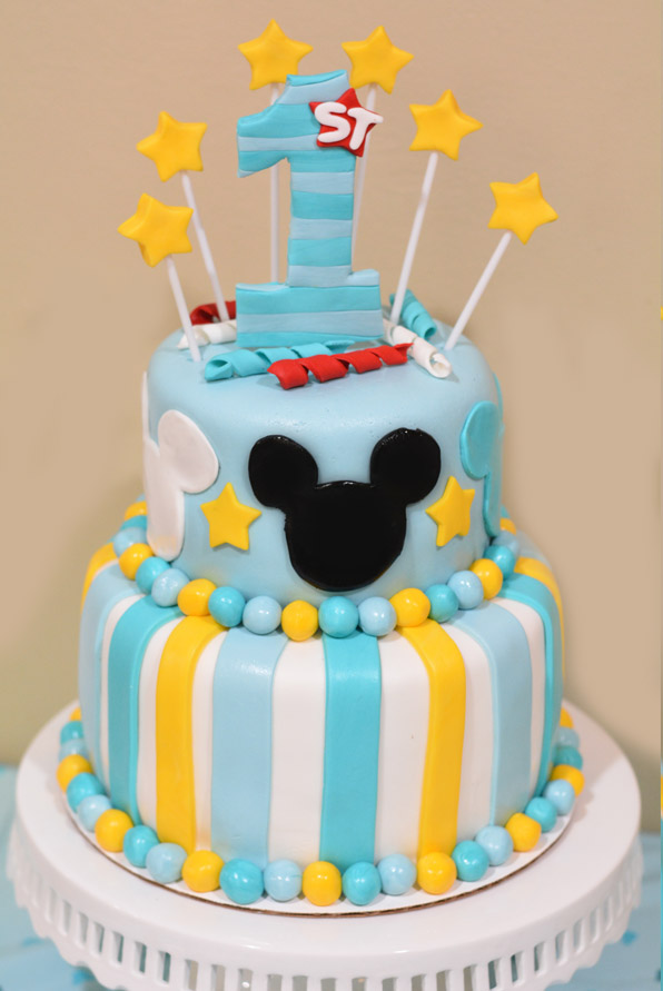 Fabulous How To Make A Mickey Mouse Cake With Fondant Mommys Fabulous Finds Personalised Birthday Cards Veneteletsinfo