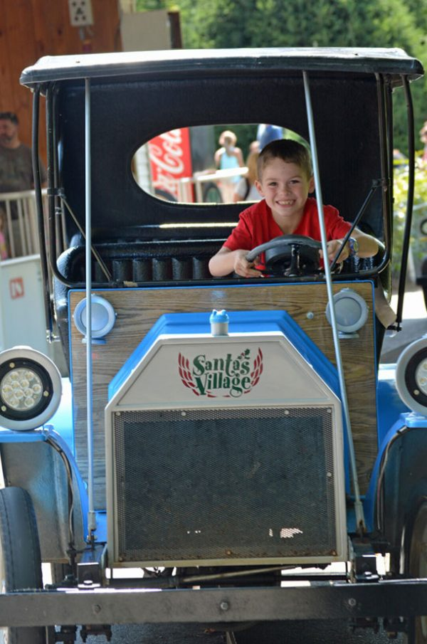 santas village antique car ride
