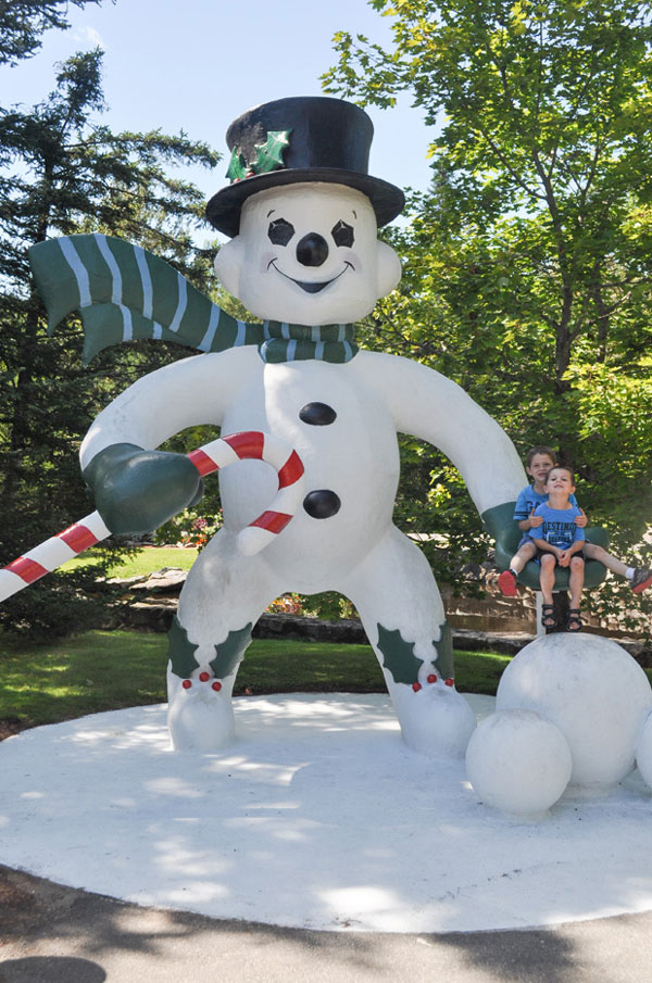 santas village snowman