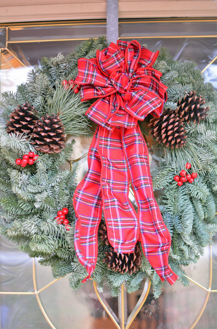 Fresh christmas wreaths delievered to your home giveaway