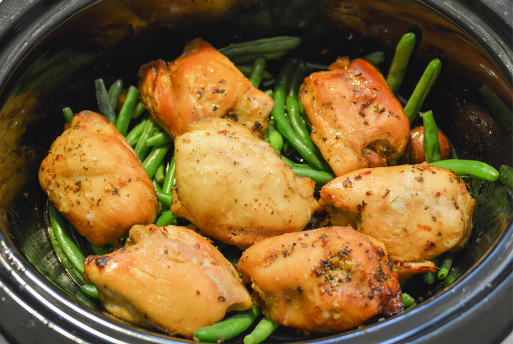 slow cooker chicken thighs with green beans