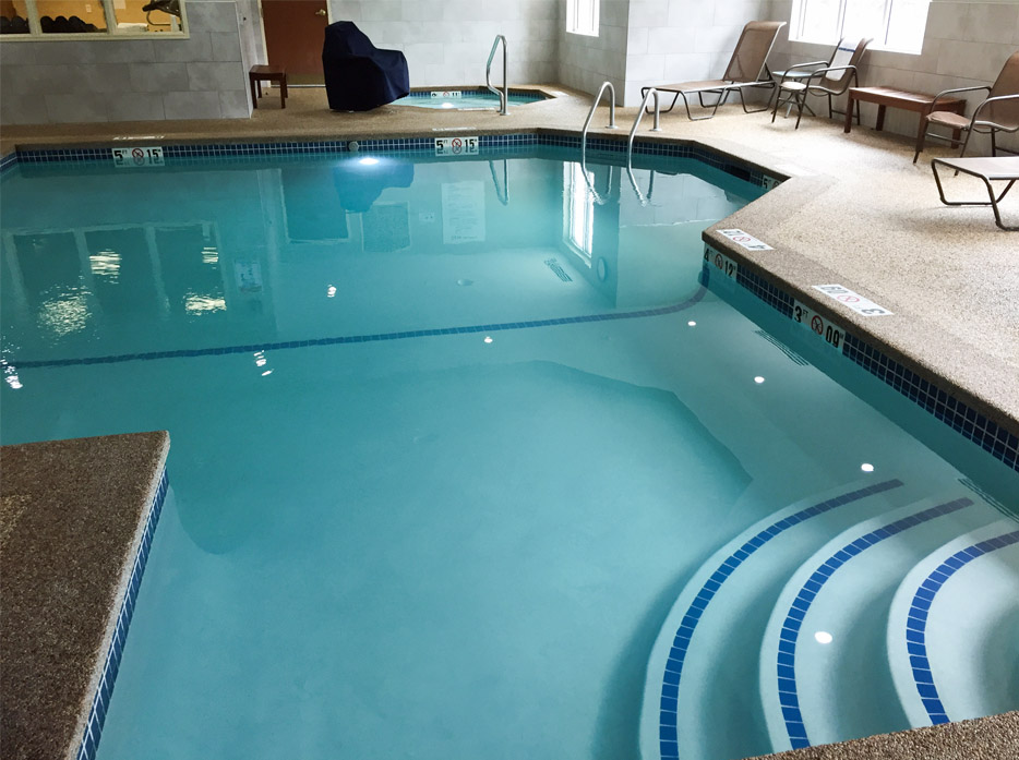holiday inn tilton nh pool