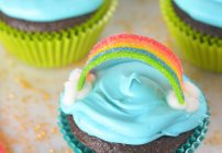 Rainbow Cupcakes With a Hidden Surprise