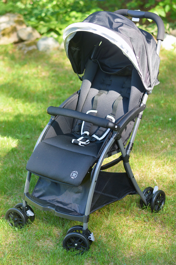 Jeep by Delta Children Ultralight Adventure Stroller