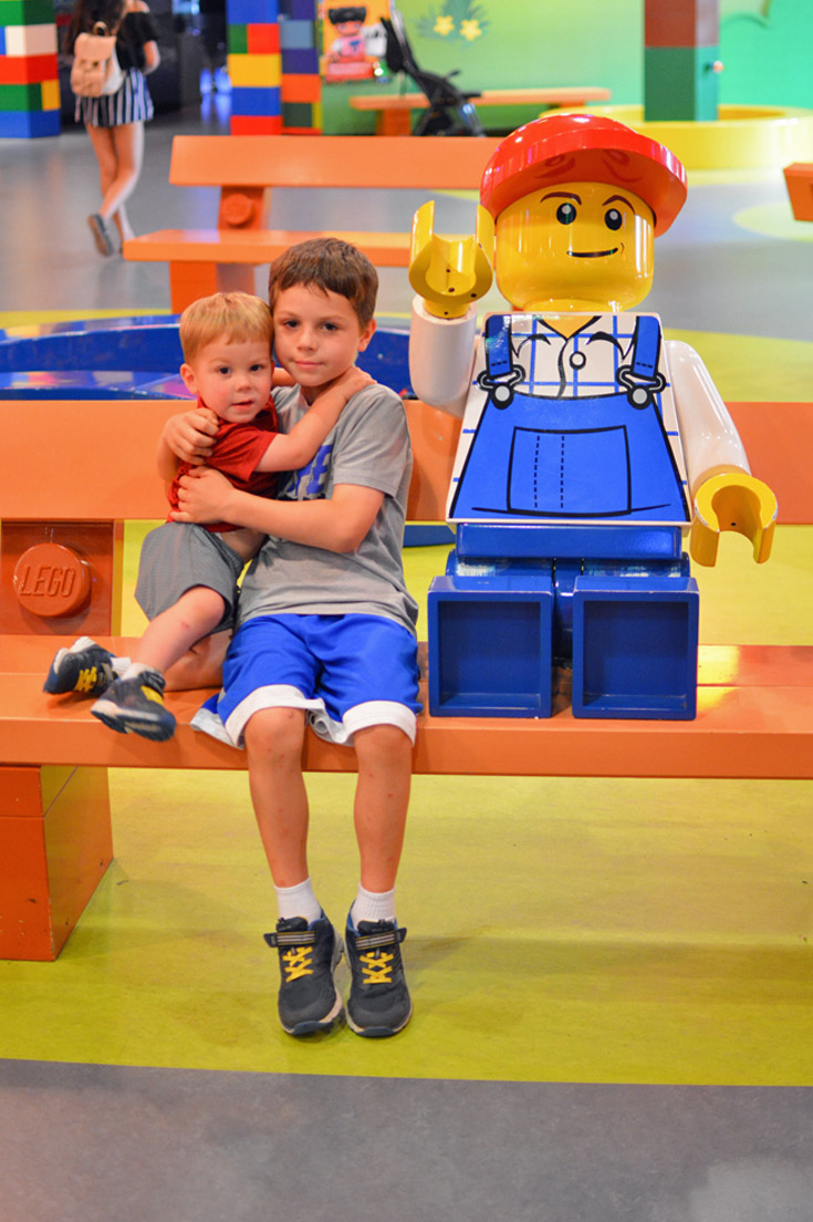 Legoland Discovery Center Figure