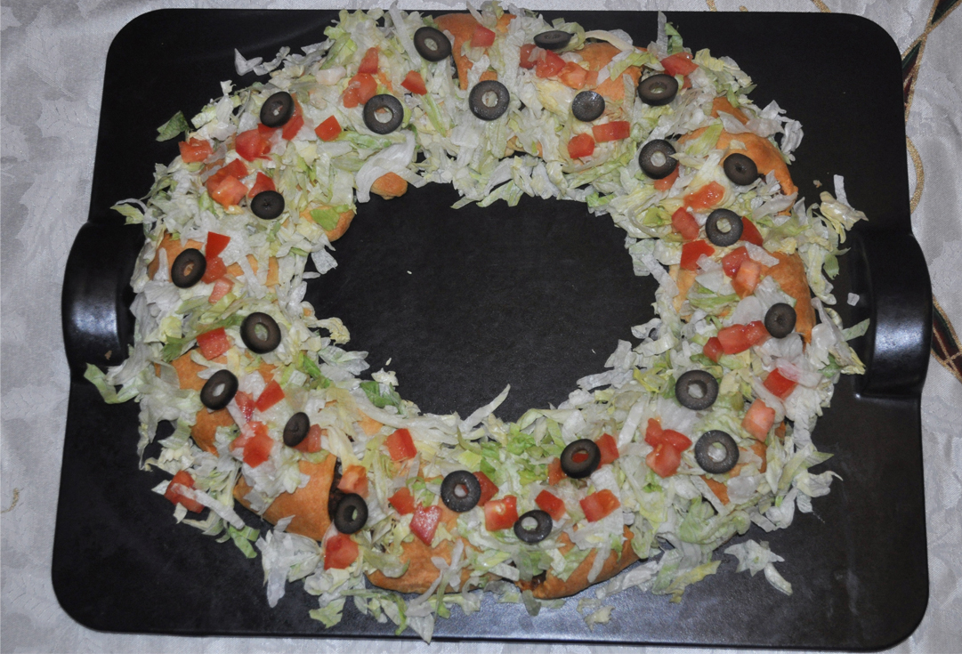 holiday taco wreath