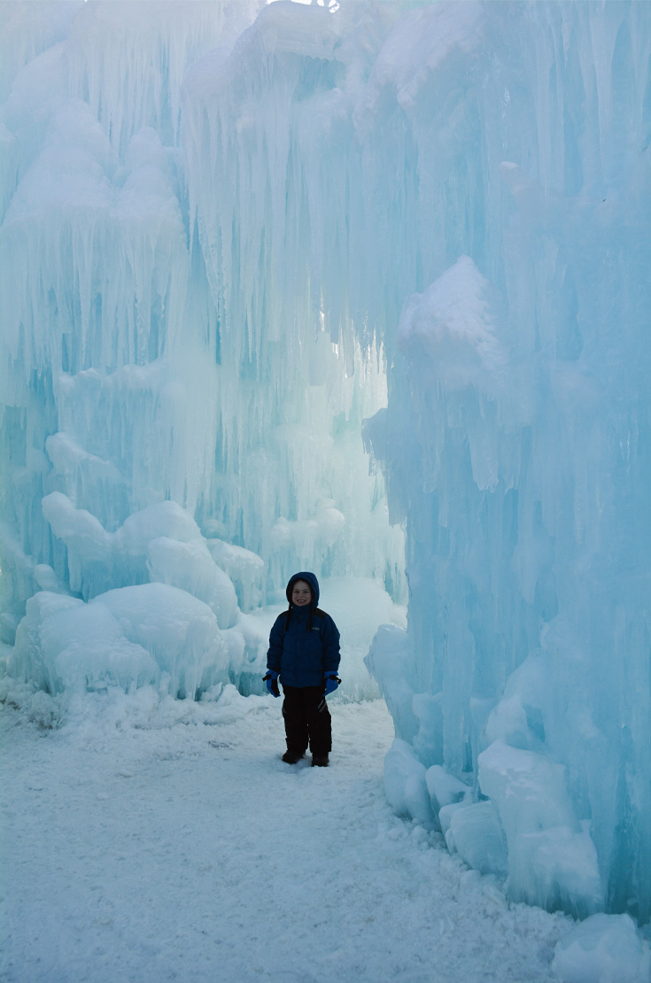 ice castles woodstock new hampshire
