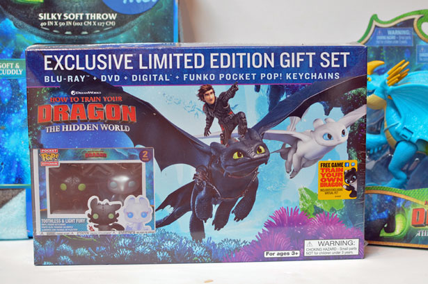 How to Train Your Dragon 3 Walmart Exclusive DVD Gift Set