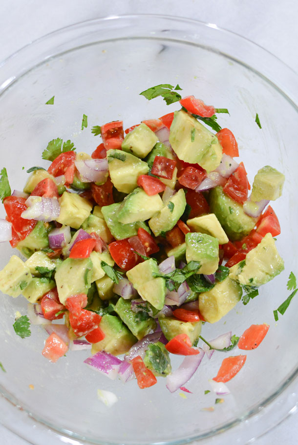 avocado tomato mix