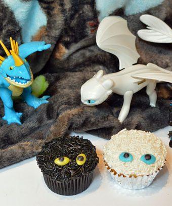 How to Train Your Dragon light fury cupcake