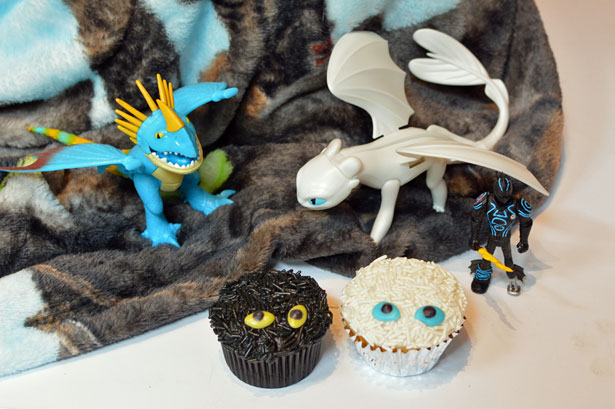 How to Train Your Dragon light fury cupcake