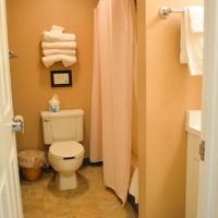 townsquare condo bathroom 1